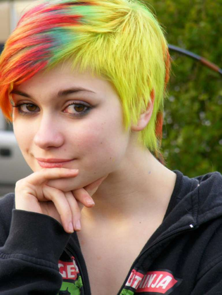 Short Hairstyles And Colors - 6
