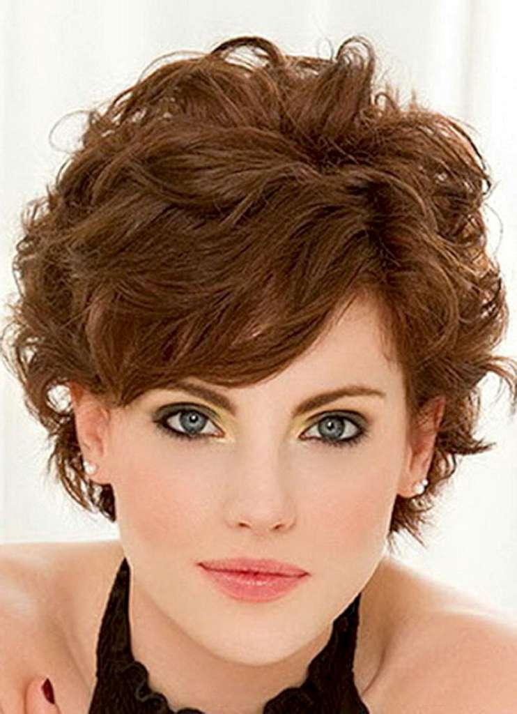 Фото женские стрижки для вьющихся волос