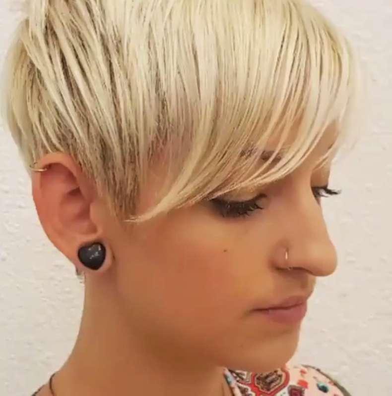 Short Haircuts Videos Females - 4
