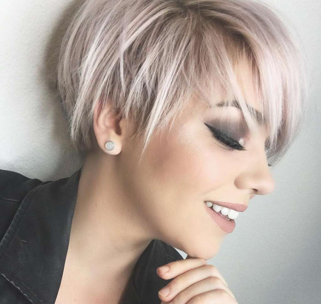 Watch Layered Wavy Bob Hairstyles for Women, Girls video