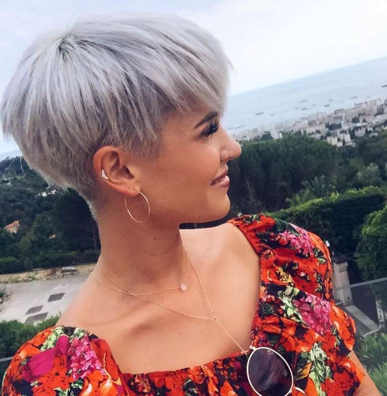 Madeleine Short Hairstyles 3