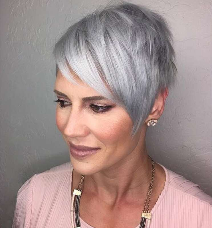 short hairstyle grey hair  4  fashion and women