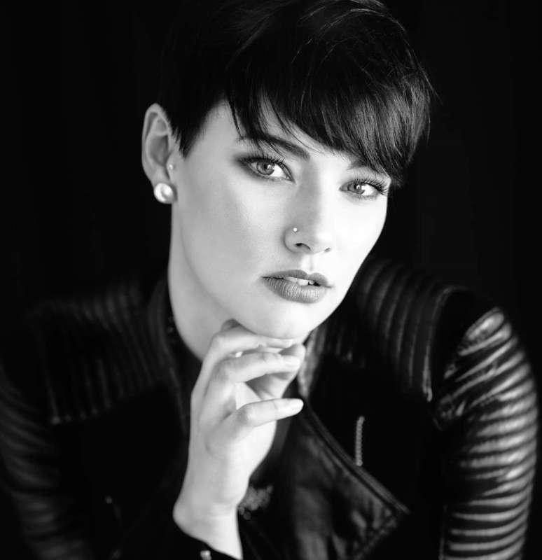 Nina Daling Short Hairstyles - 4