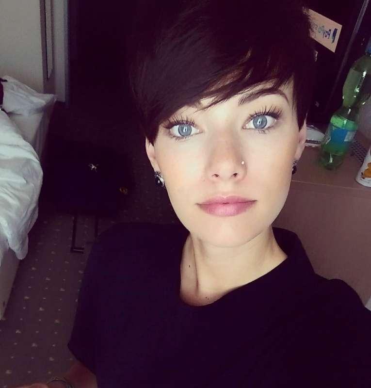 Nina Daling Short Hairstyles - 6