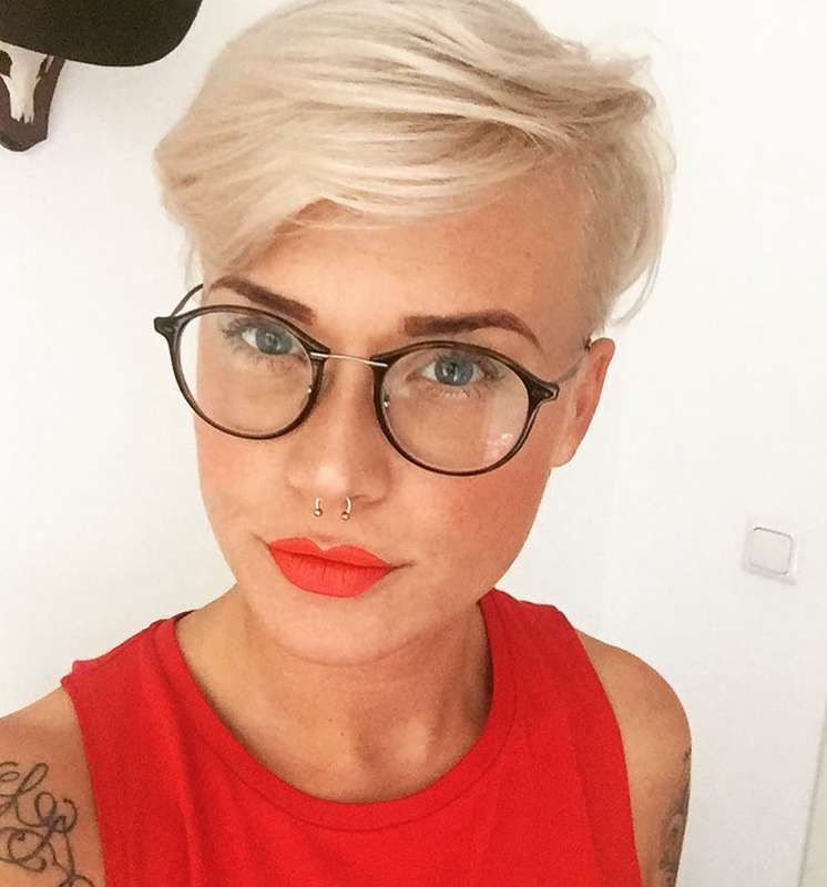 Mandy Kay Bart Short Hairstyles 1 Fashion And Women